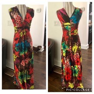 Women's flattering floral Maxi dress 👗 Size Small